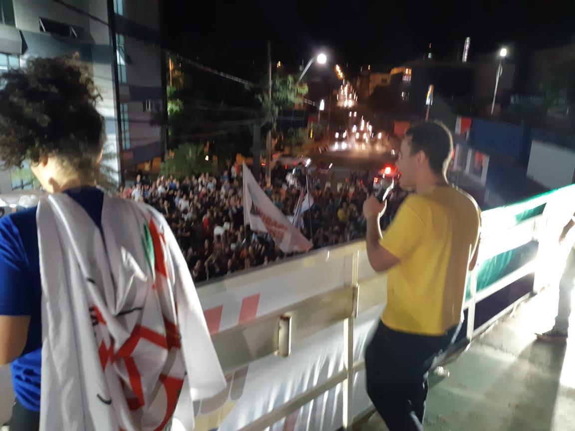 SETH participa de manifestação de estudantes